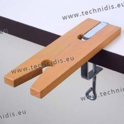 Bench pin with clamp