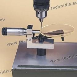 Dispositif de perçage avec vis micrométrique